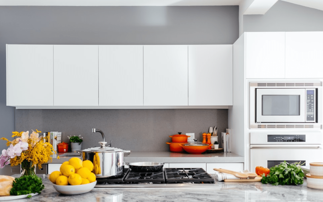 How Replacing Your Kitchen Cabinets and Counter Tops Can Add Style and Value to Your Home